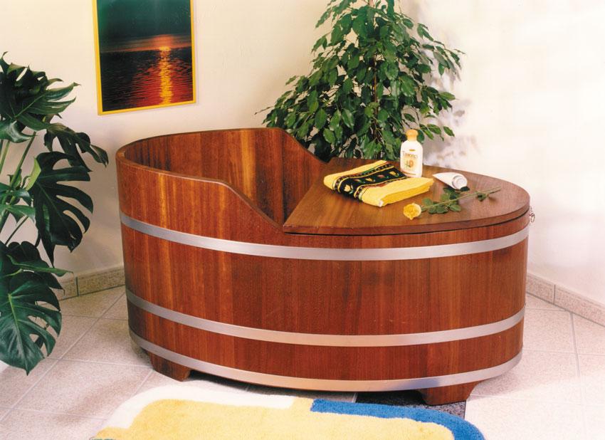 holzbadewanne freistehend badewanne aus holz vom hersteller. Black Bedroom Furniture Sets. Home Design Ideas